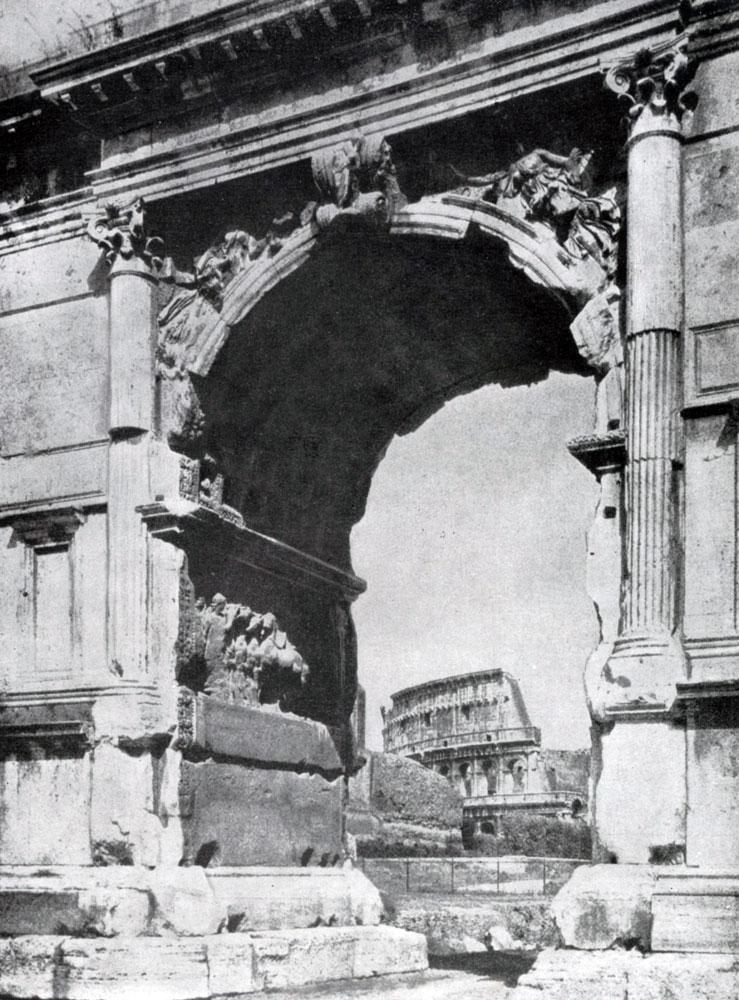 274. Вид на Колизей через арку Тита.